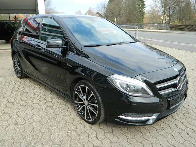 mercedes-benz b-180 blue-efficiency-sports-tourer-navi-kamera-shz schwarz