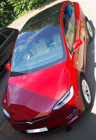 tesla model-x 90d-7-places-autopilot rouge