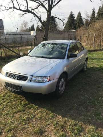 audi a3 1-6-attraction silber
