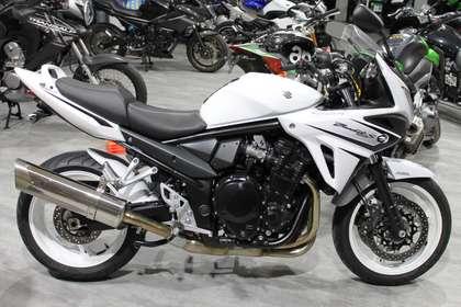 Suzuki Bandit 1250 1 HAND