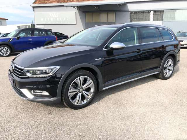 volkswagen passat-alltrack 2-0-tdi-190cv-4motion-dsg-executive-full-optional schwarz