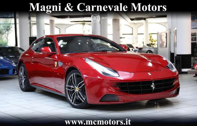 ferrari ff display-pass-special-paint-carbon-pack-telecamere rot