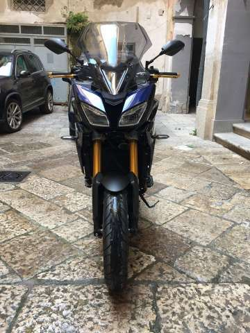 yamaha mt-09 tracer gris