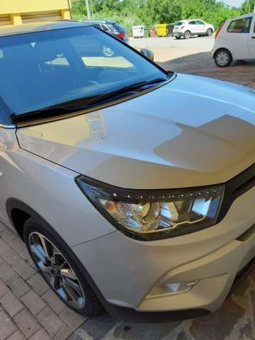 ssangyong tivoli 1-6d-2wd-be-cool-aebs silber